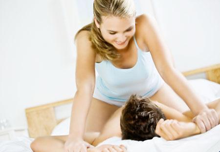 Một số tư thế quan hệ vợ chồng mà đàn ông rất thích